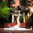 Yoga hanumanasana monkey pose — Stock Photo