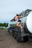 Sexy young woman and truck — Foto de Stock