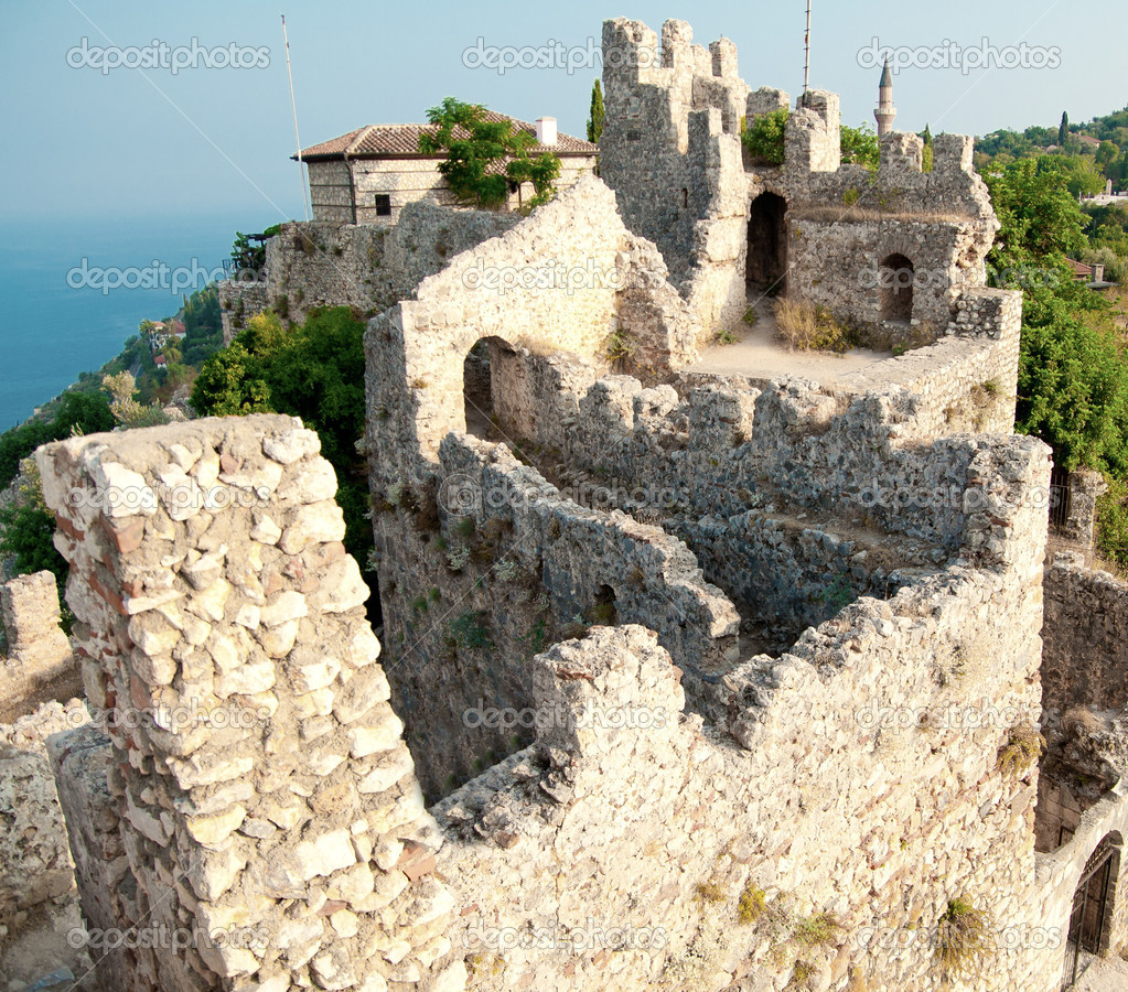 Fortress walls in Alania, Turkey — Stock Photo #12140524
