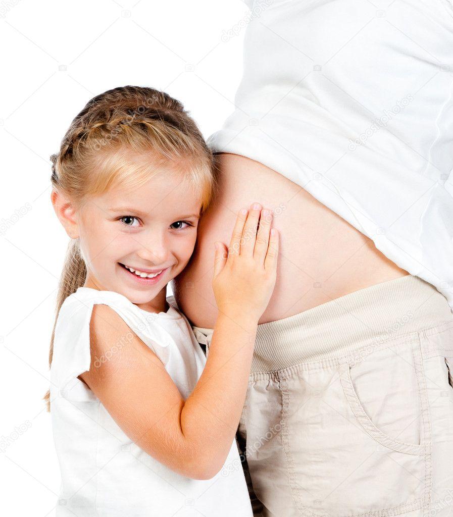 Coup de femme enceinte dans l'estomac