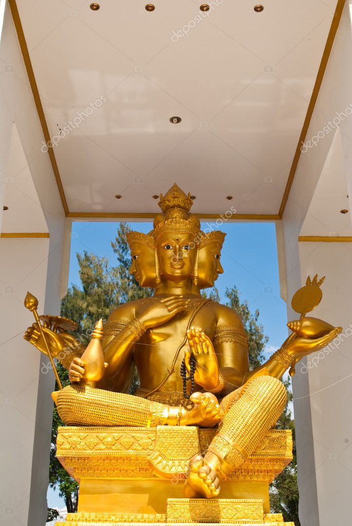 Golden Buddha statue on the temple — Stock Photo #11548960