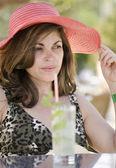 Frau mittleren Alters an Feiertagen — Stockfoto