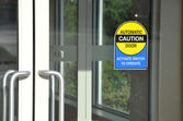 Automatic caution door sign — Stock Photo