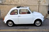 White Fiat 500 — Stock Photo