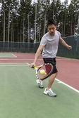 网球单递给 backhand — 图库照片