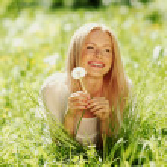 Girl with dandelion — Stock Photo #11287814