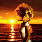 Golden hair motion — Stock Photo