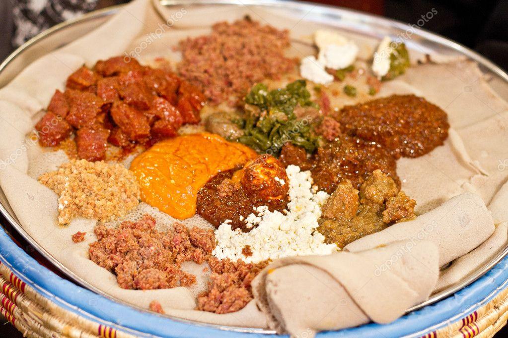 Injera werden wot, traditionellen äthiopischen Küche ...