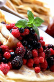 Fresh berries with pancakes — Stock Photo