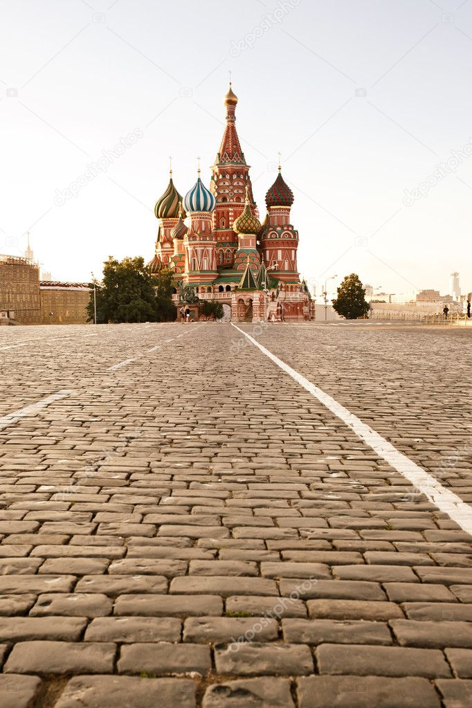 St. basil cathedral in Moscow at early morning — Stock Photo #11655978