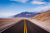 Road to Death Valley — Stock Photo