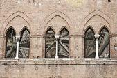 Fenêtres gothiques — Photo