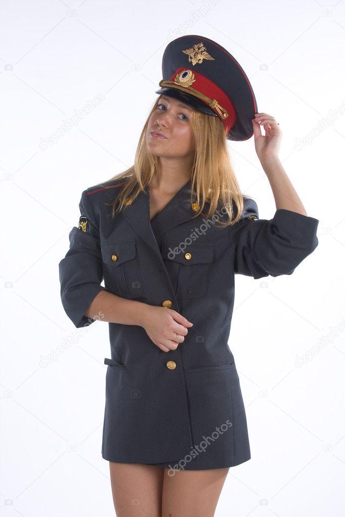 blondinka-v-politseyskoy-forme