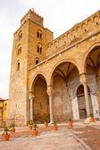 La Basilique-cathédrale de cefalu. — Photo