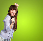 Girl With Headphone Singing On Mike — Stock Photo