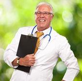 üst düzey bir doktor portresi — Stok fotoğraf