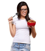 Portrait d'une femme tenant un bol de gruau — Photo