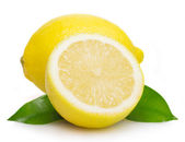 Fresh lemon with leaves — Stock Photo