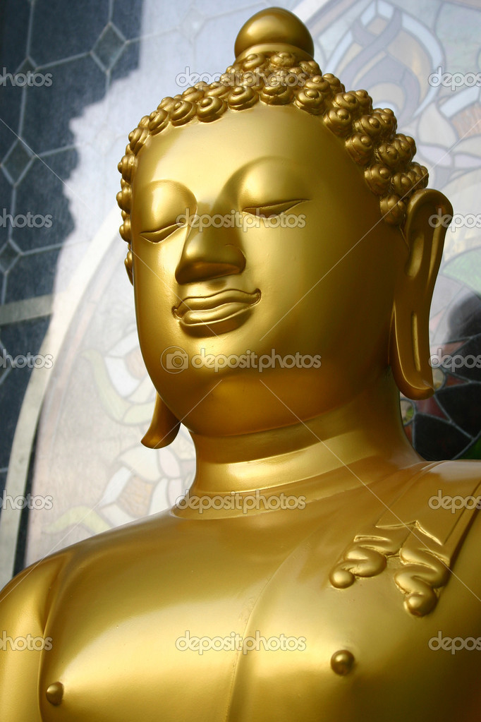 Golden Buddha — Stock Photo #11741011