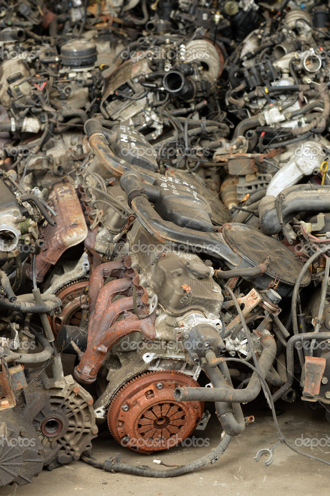 Car engines for reusing or recycling — Stock Photo #11334857