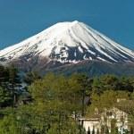 Mount Fuji from Kawaguchiko lake in Japan — Stock Photo