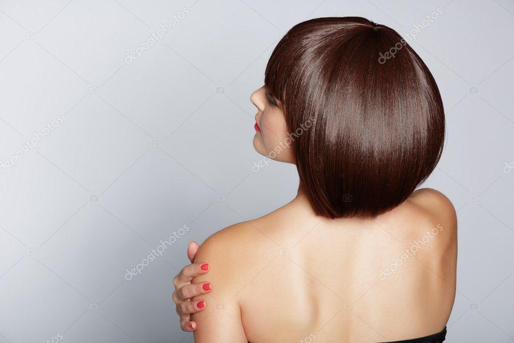 Фото девушки со спины со стрижкой