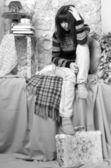 Smutna dziewczyna zimowe ubrania — Zdjęcie stockowe