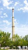 дымоход тепловой электростанции в foix — Стоковое фото