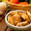 Fried samosas — Stock Photo