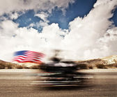 Ağır çekim motosiklet üzerinde — Stok fotoğraf