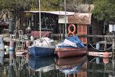 Alte schiffe, die auf ein dock aufgegeben — Stockfoto