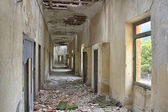 Corridors and roofs destroyed house broken — Stock Photo