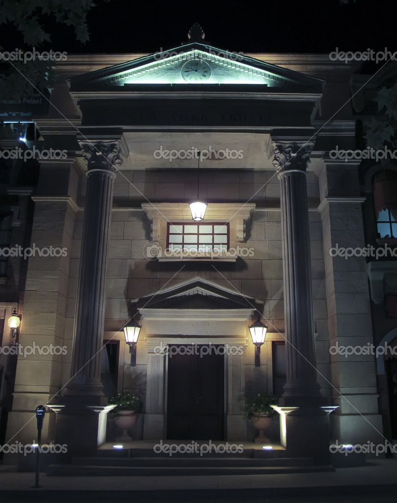 Awesome House with stone columns in the night — Stock Photo #12244403
