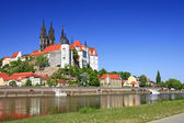 View over the Elbe on Meissen, the castle and the towers of the cathedral — Stock Photo