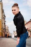 Piękny nowoczesny dziewczyna — Zdjęcie stockowe