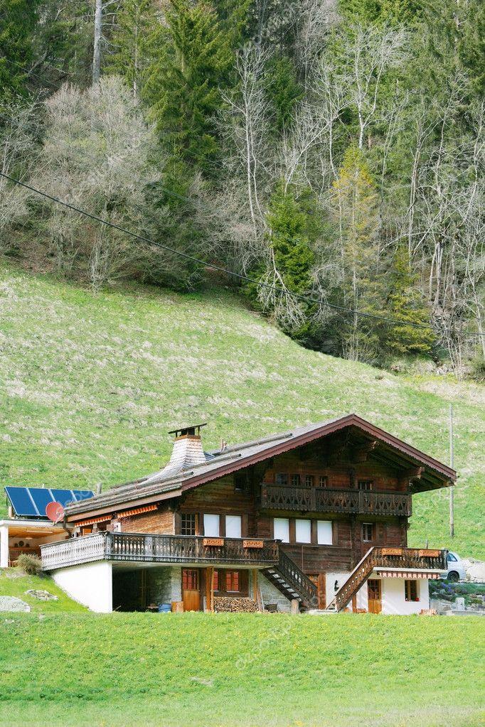 Casa de madera de monta a en los alpes suizos foto de stock 11290828 depositphotos - Casas en los alpes suizos ...