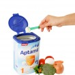 Milupa Aptamil baby food — Stock Photo