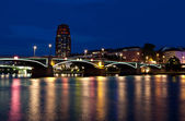 Main Plaza and Ignatz-Bubis-Brucke in Frankfurt am Main — Stock Photo