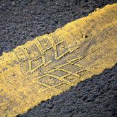 Droga streszczenie tło z żółtą linią — Zdjęcie stockowe