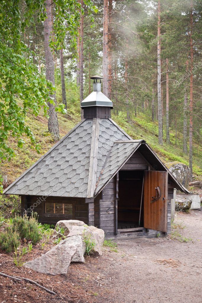 Small wooden free for use cosy grill house in the forest. Imatra, Finland — Stock Photo #11370737