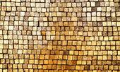 Zlaté mozaiky stěna pozadí — Stock fotografie