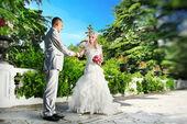 Bruid en bruidegom, buiten het huwelijk — Stockfoto