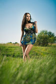 Mode meisje buitenshuis — Stockfoto