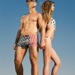 Couple on beach — Stock Photo #11477914