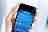 在智能手机上的手机银行 — 图库照片