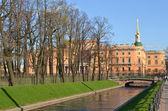 Mikhailovsky castle and Summer Garden — Stock Photo