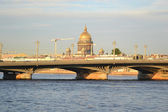 Annunciation bridge and St. Isaac's Cathedral — Stock Photo
