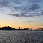 río Neva en San Petersburgo al atardecer, — Foto de Stock