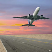 Big jet plane taking off runway — Stock Photo