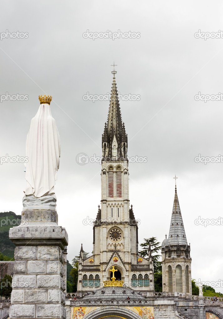 Center of pilgrimage to famous cathedral in Lourdes, France.  — Stock Photo #11435820